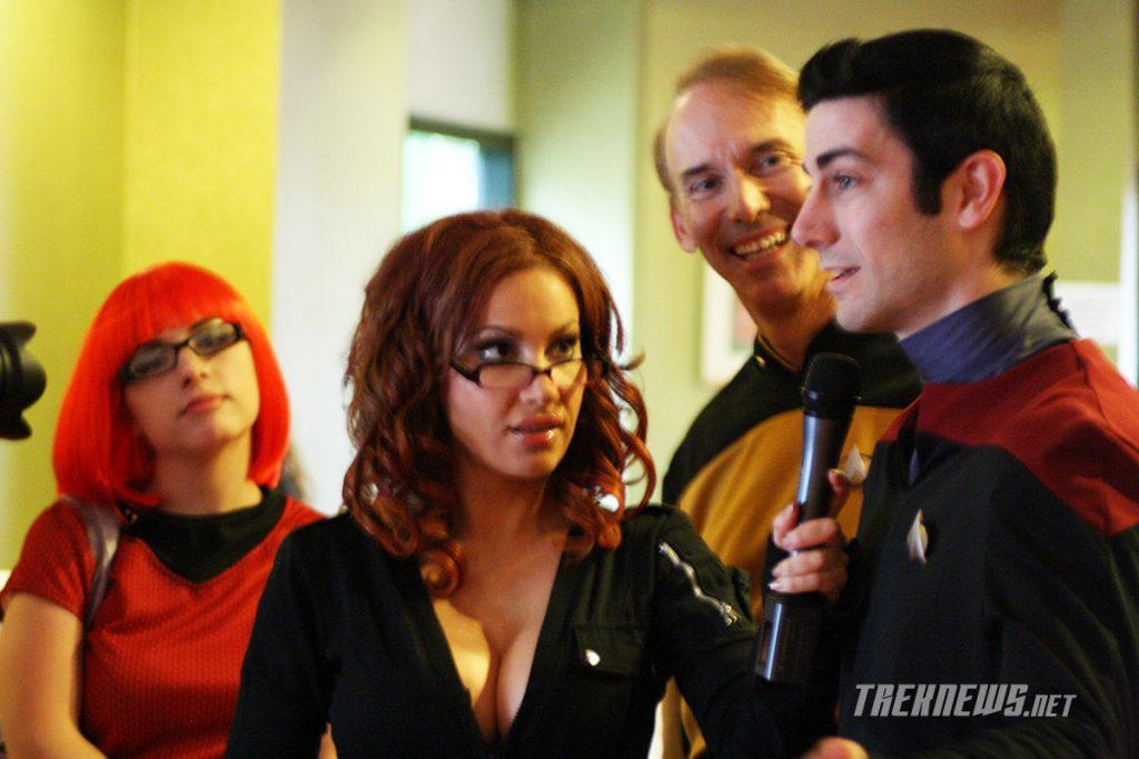 Diana Terranova interviews a few Star Trek fans