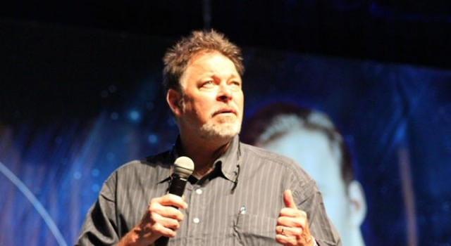 Jonathan Frakes To Direct New TNT Series