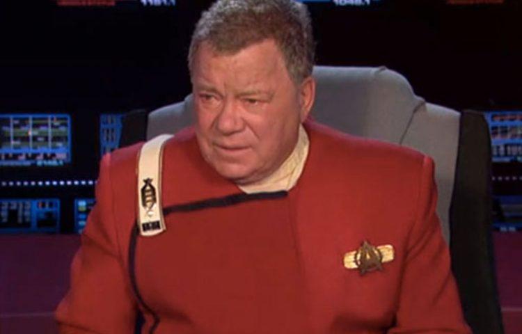 Shatner Returns As Captain Kirk At The 2013 Oscar Awards [VIDEO]
