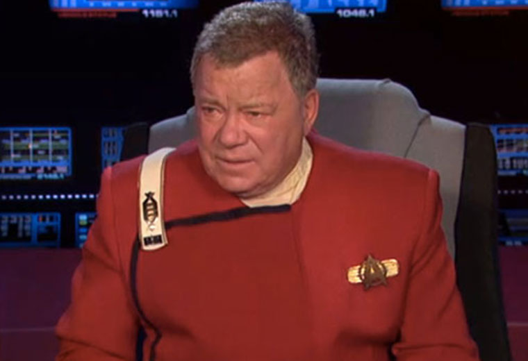 Shatner Returns As Captain Kirk At The 2013 Oscar Awards [VIDEO]