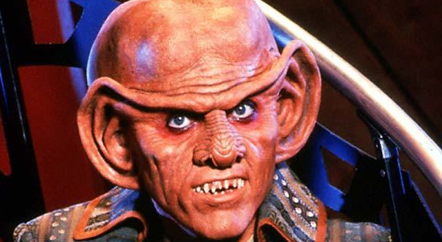 WATCH: Rare 1992 Teaser For Star Trek: Deep Space Nine