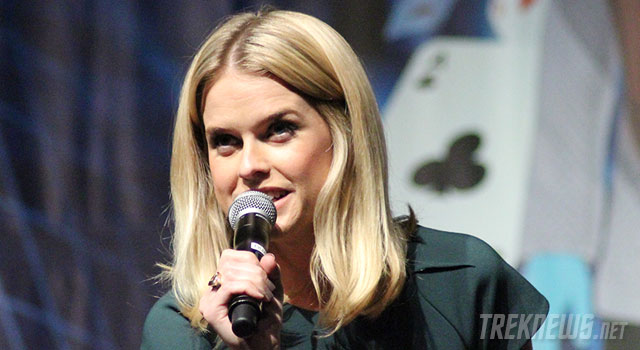 STLV '13: Day 2 Report With Alice Eve, Walter Koenig, John de Lancie & A Special Salute To 'Voyager'