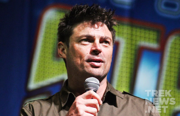 "#STLV '14: Karl Urban Talks Star Trek 3, Michael Dorn Gives ""Captain Worf"" Update"