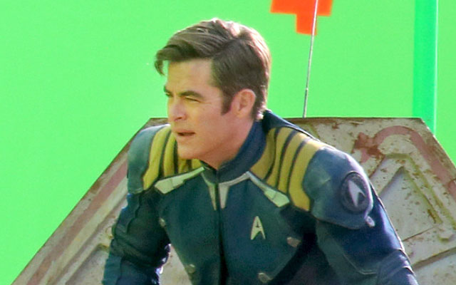 BREAKING: Leaked STAR TREK BEYOND Photos: Boutella's Alien Character, New Starfleet Uniforms, More (SPOILERS)
