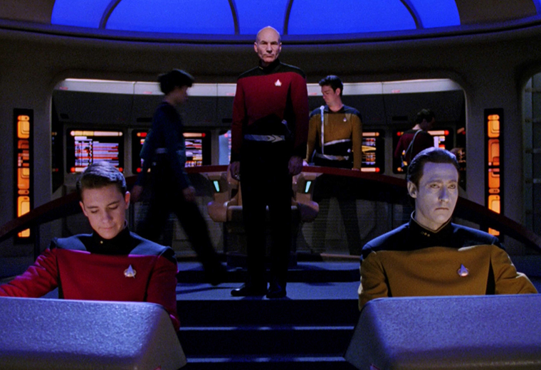 [TNG at 30] Looking At The Star Trek: TNG Interactive Technical Manual From 1994