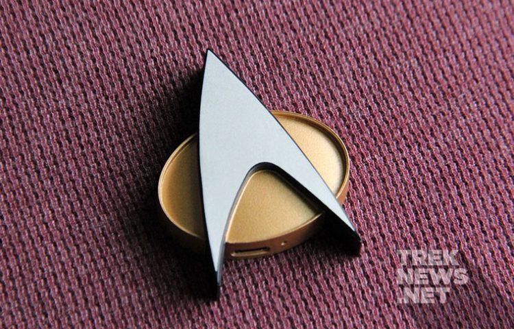 [REVIEW] Star Trek: TNG Bluetooth ComBadge