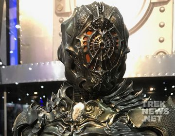 [SDCC] Klingon 'Torchbearer' Suit Revealed