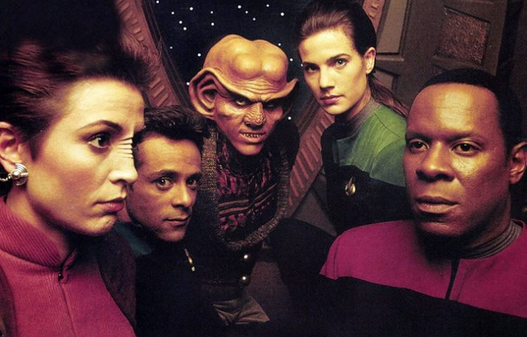 [EXCLUSIVE] : 'Deep Space Nine' Cast and Crew Discuss 'What We Left Behind' Doc