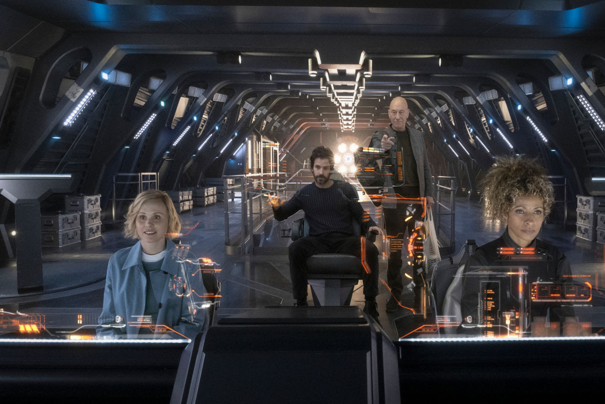 Alison Pill as Jurati, Santiago Cabrera as Rios, Patrick Stewart as Picard and Michelle Hurd as Raffi