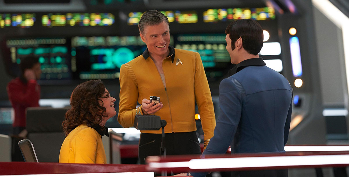 Rebecca Romijn, Anson Mount and Ethan Peck on the set of Star Trek: Discovery