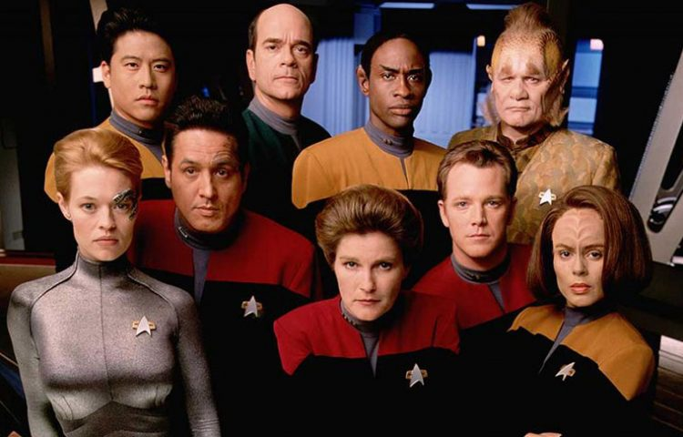 STAR TREK: VOYAGER Cast Virtual Reunion Set for May 26th