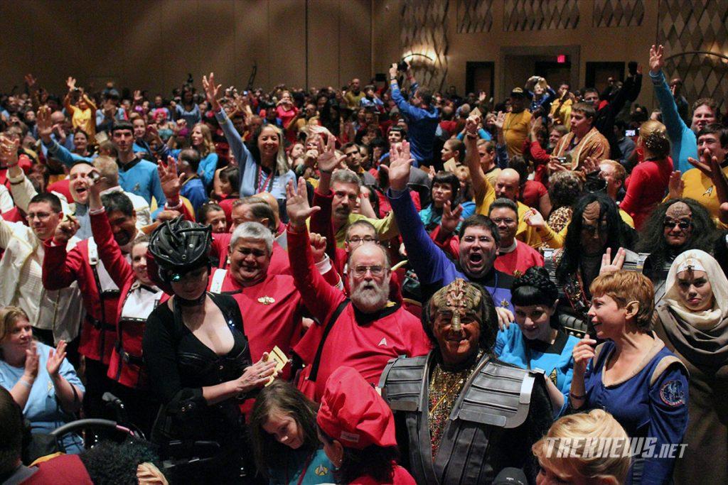 1,040 Star Trek fans break the Guinness World Record