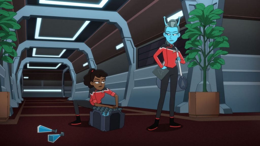 Tawny Newsome as Ensign Beckett Mariner and Lauren Lapkus as Jennifer the Andorian